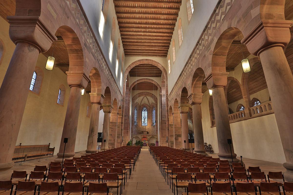 View into the church nave at Alpirsbach Monastery. Image: Staatliche Schlösser und Gärten Baden-Württemberg, Markus Schwerer