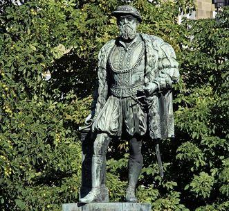 Duke Christoph von Württemberg, statue by Paul Müller, 1885, today in Stuttgart. Image: Staatliche Schlösser und Gärten Baden-Württemberg, Steffen Hauswirth