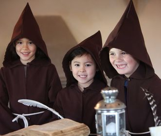 Children as monks, part of the children's program at Bebenhausen Monastery. Image: Staatliche Schlösser und Gärten Baden-Württemberg, Thomas Kiel