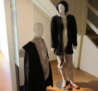 Articles of clothing in the museum at Alpirsbach Monastery. Image: Staatliche Schlösser und Gärten Baden-Württemberg, Werner Hiller-König